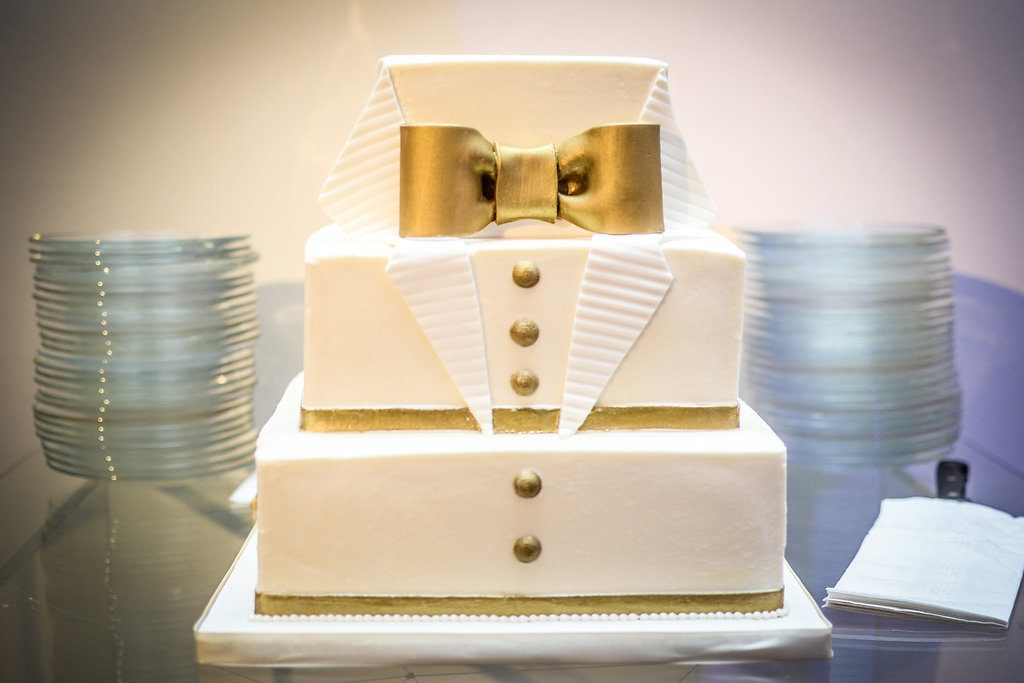 Gold and white tuxedo cake | LeeHenry Events