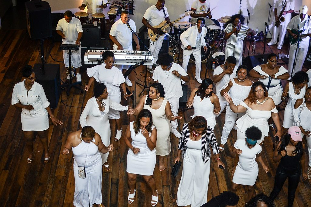 All white birthday party | LeeHenry Events