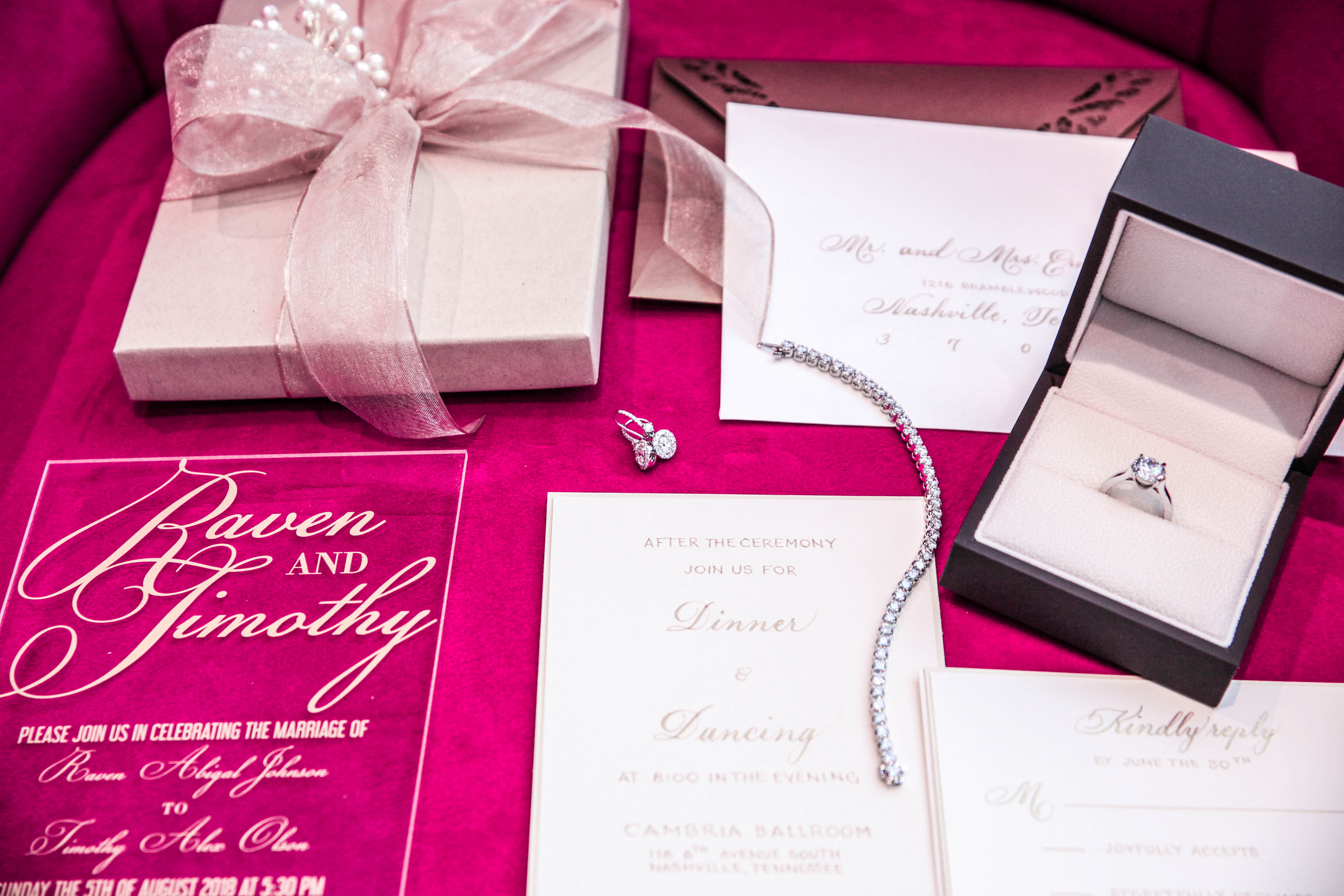 Invitation suite with jewelry
