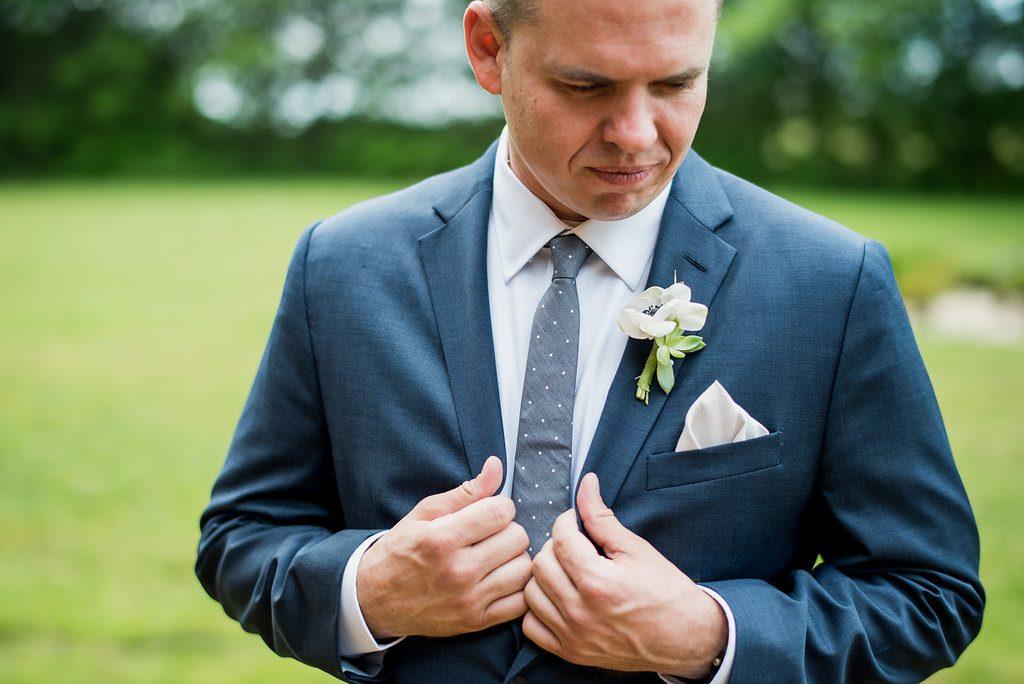 My boyfriend isn't involved in the wedding