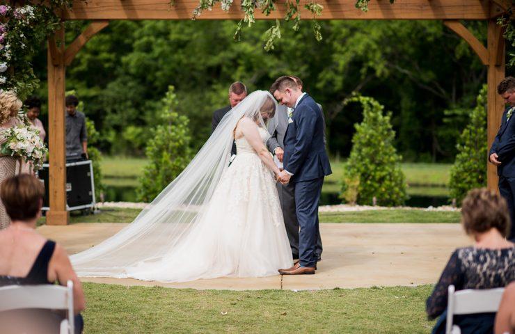 Tools needed to create an intimate backyard Wedding | LeeHenry Ev ents