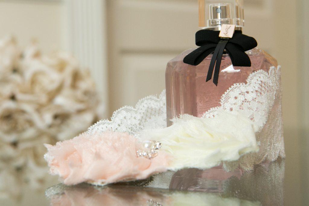 Wedding details - garter